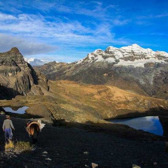 Tour du nevado Ticlla face au LLongote