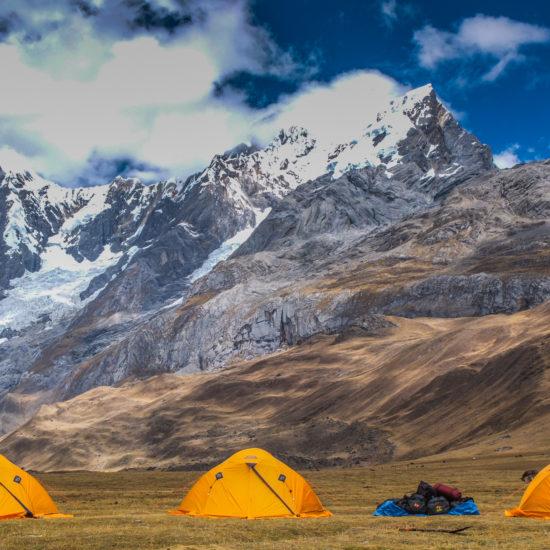 Trek Huayhuash Sud : camp Carhuacocha