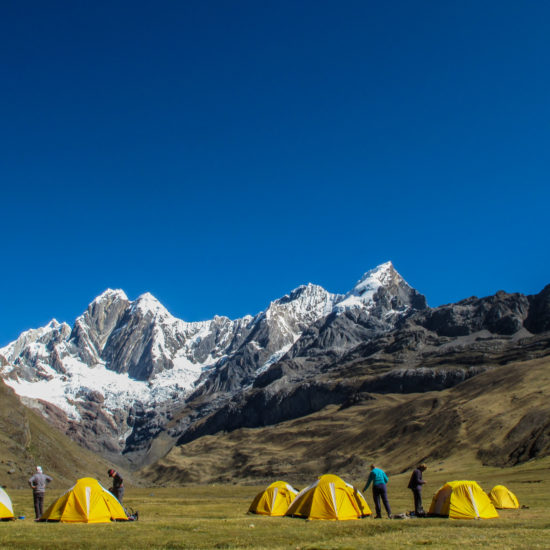 Tour de Huayhuash : camp Mitucocha