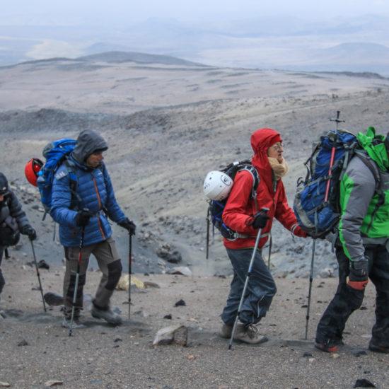 Arrivée au sommet du volcan Ubinas